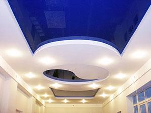 Преимущества и особенности натяжных потолков