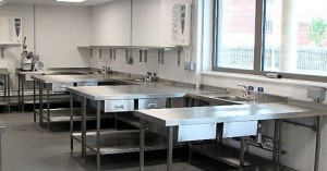 Производственные столы из нержавеющей стали: основные сведения