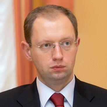 Яценюк ищет руководителей налоговой и таможни среди бизнесменов