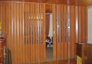 Двери гармошкой: современные возможности классической конструкции