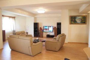 Простое бронирование квартир посуточно в городах Украины с онлайн сервисами.